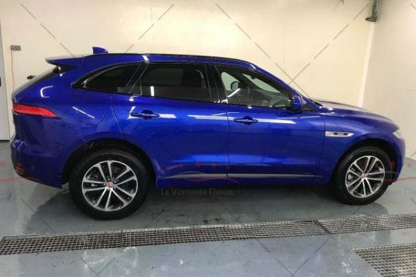 jaguar_f_pace_2.0_blue