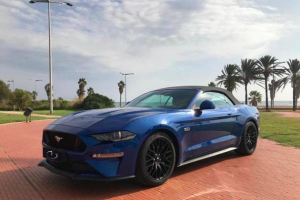 Ford_Mustant_Bleu